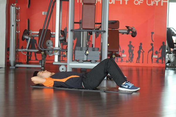 Cách tập giảm mỡ bụng dưới cho nam với bài tập Crunch đơn giản